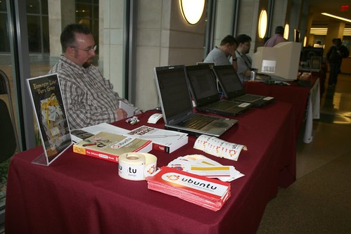IU LinuxFest 2007 - Indiana Ubuntu LoCo Team Presence