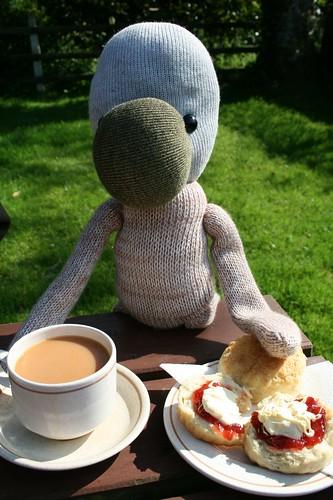 Artis enjoys a Cornish Cream Tea by Kitty*Kins