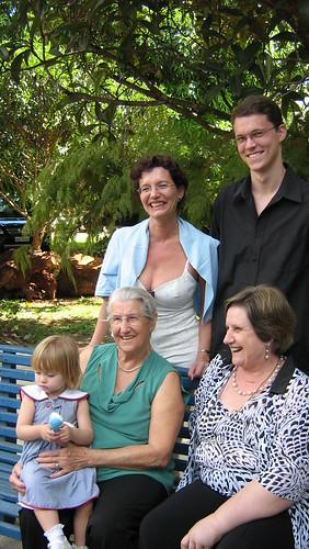 Ana, Heloísa, Mércia, Marco e Hannah