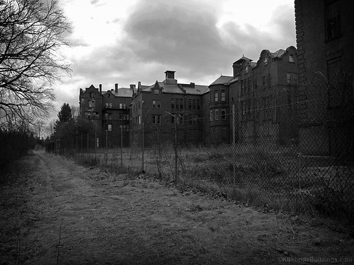 "Northampton State Hospital • <a style=""font-size:0.8em;"" href=""http://www.flickr.com/photos/15694740@N00/367722590/"" target=""_blank"">View on Flickr</a>"