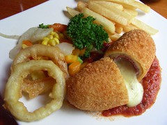 cordon bleu at victoria (Satya W) Tags: food chicken restaurant cafe victoria bleu jakarta senayan 2007 kafe cordon 200701