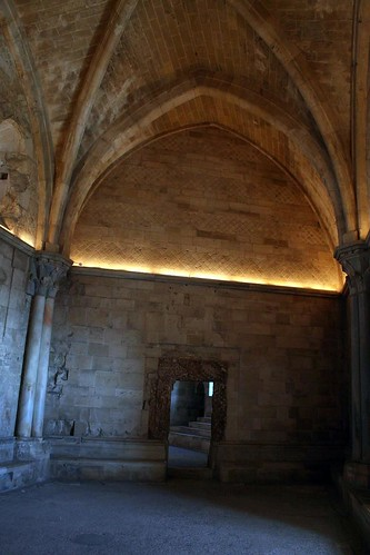 One of the trapezoidal rooms, Castel del Monte