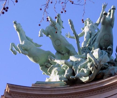 Balade à Thème : les zizis de Paris