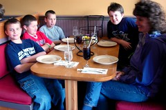 Kids at Lunch (Jomtois) Tags: trip field kids burlington class