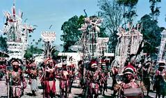 Goroka Show (Mangiwau) Tags: new islands guinea pacific south png papuanewguinea papua hagen nouvelle seas newguinea portmoresby rabaul wau melanesia madang mudmen goroka asaro pacifique lae guinee niugini oceanie gorokashow alotau morobe papouasie papouasienouvelleguinee nouvelleguinee