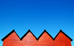 ^^^^ (BB (O.)) Tags: wood blue roof red sky house portugal contrast catchycolors nikon lunchtime minimal nophotoshop algarve minimalism bb sunreflection quintadolago o d40 interestingness96 supershot i500 explore96 30faves30comments300views anawesomeshot superaplus aplusphoto allmylove