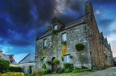 The Old Medieval House, Locronan HDR (David Giral | davidgiralphoto.com) Tags: house david france stone rural landscape landscapes nikon brittany europe village pierre bretagne villages medieval breizh d200 29 paysage maison paysages hdr middleage bzh finistre beaux locronan giral mdival nikond200 18200mmf3556gvr charettes ttdhr copyrightdgiral davidgiral goldenphotographer bestofr pitorresque pitorresques ruraux