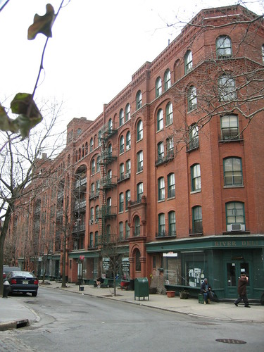 What's Going on at Riverside Apartments? | Brooklyn ...