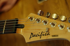 Restringing the Yamaha Pacifica - 5 (Derek K. Miller (1969-2011)) Tags: electric guitar pickup yamaha firebird hotrod duncan pacifica stratocaster electricguitar antiquity headstock rosewood tuners seymourduncan restring stract tuningkeys solidbody