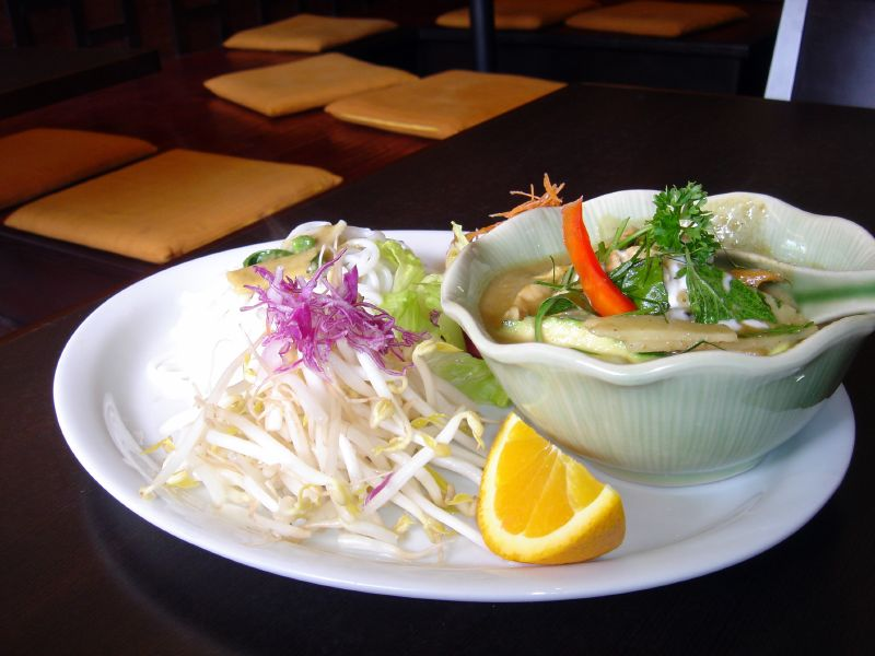 Green Curry Pasta with Chicken