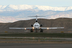 FedEx 727 Takeoff (dbcnwa) Tags: snow mountains plane airplane nose lights flying colorado aircraft aviation jets hill jet slats boeing fedex flugzeug takeoff runway airliner avion grandjunction 727 trijet taxiway prattwhitney b727 aeronautical boeing727 722 aeroplano turbojet 727200 gjt fedexexpress kgjt classicairliner walkerfield leadingedgeflaps jt8d15 fedex727