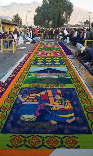 Semana Santa Elements: The Making of Carpets