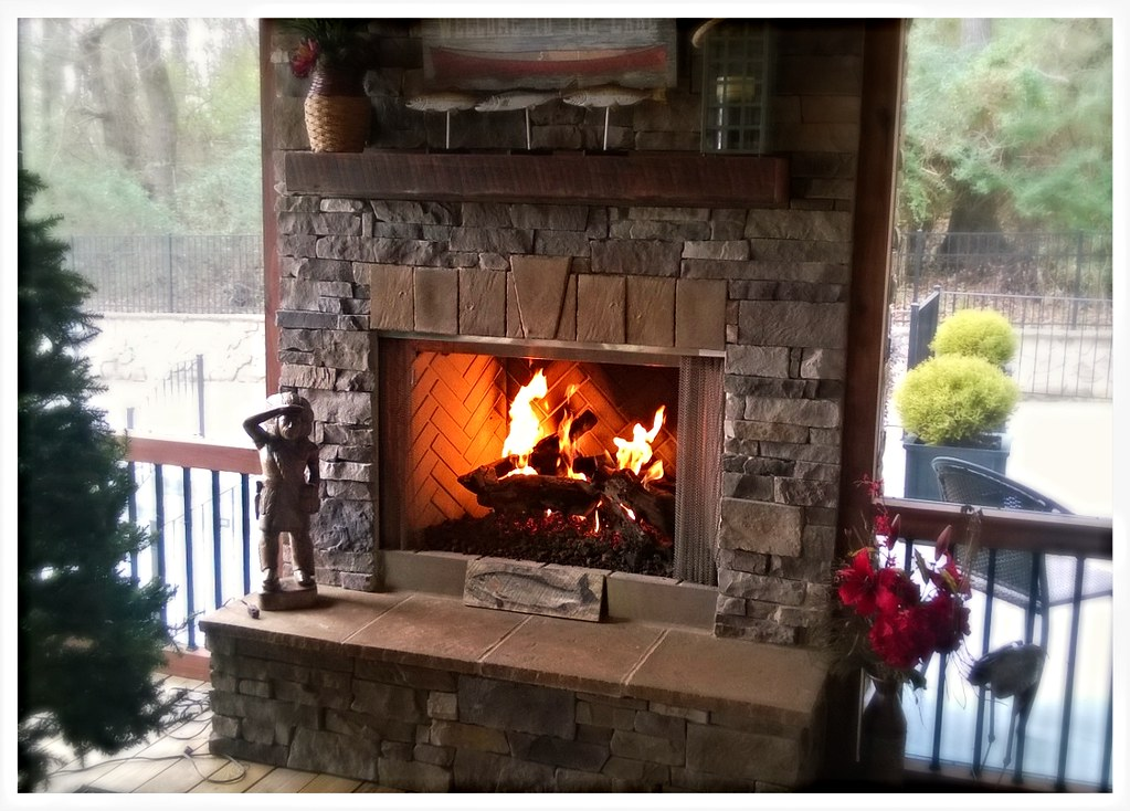Monessen Outdoor Fireplace with Peterson Gas Logs. Harrison, Tn.