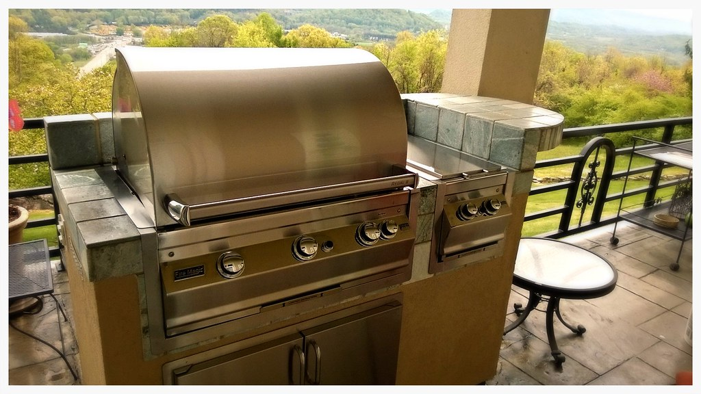 Custom Outdoor Kitchen (2003) Chattanooga, Tn.