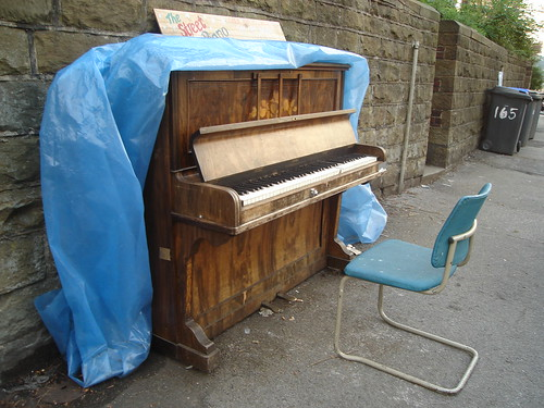 Street Piano 2 by on-the-run
