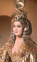 Helena-Reet transformed into Cleopatra