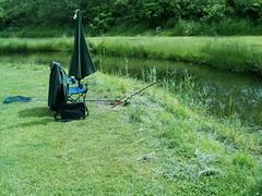 Forellenangeln in Dänemark (3) (Yogi 58) Tags: fishing chair bach brook dänemark fishingrod angeln yogi58 forellenangeln jörgsteiof steiof fishingplace angelstuhl