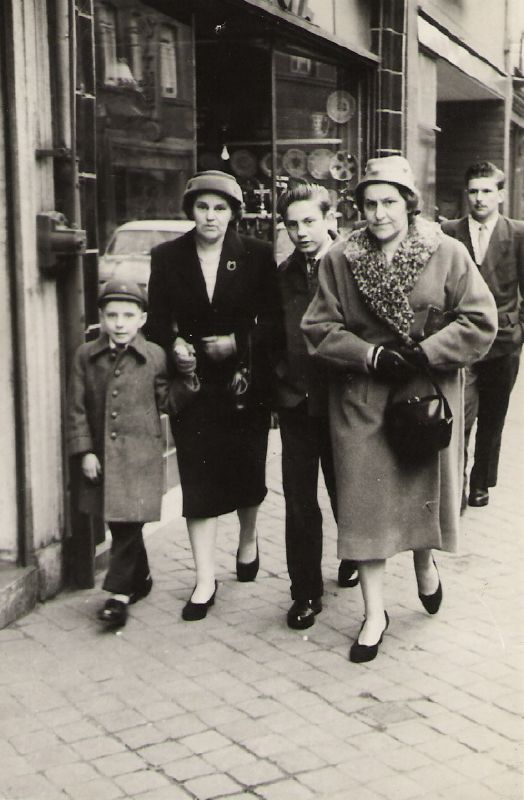 mother, aunt georgette, françois & me