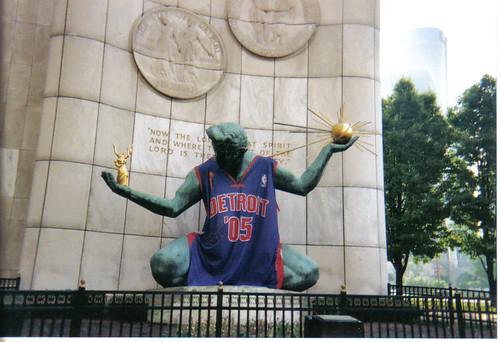 Detroit Bas-Ket-Ball!!