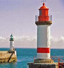 So long baby ! (Dlirante bestiole [la posie des goupils]) Tags: cats bretagne port harbour porttudy groix red tag2 sea seaside ocean painterly