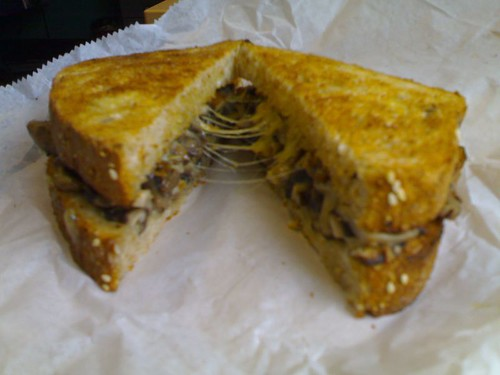 Бутерброд с шампиньонами