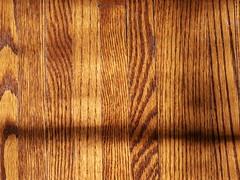 wood floor (Mamluke) Tags: wood light shadow sun sunlight texture textura boards oak madera shadows floor ombra grain sombra ombre lit tageslicht sunlit holz schaduw schatten floorboards hout bois hardwood legno zonlicht ombres beschaffenheit textuur lumiredusoleil luzdelsol mamluke lucesolare