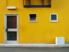 Yellow (Amaury Henderick) Tags: door blue white window yellow jaune university blauw belgium belgique université belgië bleu porte minimalism geel wit fenêtre universiteit ghent gent blanc gand raam deur homefabiola ugent minimalisme