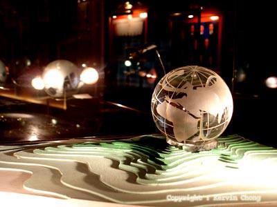 Crystal-globe