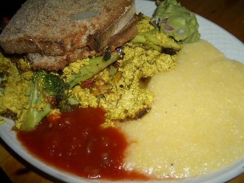 tofu scramble at Globe Cafe