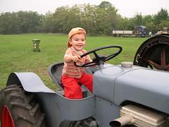 DSCN3254 (blognotes) Tags: tommaso trattore campovolo 200609