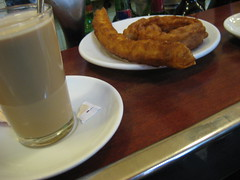 Caf� con leche con porras