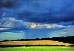 Scotland: Rain from the train (Lucio José Martínez González) Tags: travel viaje rain clouds landscape scotland lluvia paisaje escocia nubes 100club helluva 50club luciojosémartínezgonzález luciojosemartinezgonzalez holidaysvacanzeurlaub