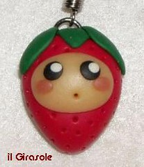 Baby Fragola (Modellare i Sogni - Mandy) Tags: diy strawberry handmade craft polymerclay fimo kawaii fragola phonestrap cernit