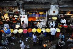 Petals, Toil and Business at Dadars Phulgalli [PHOTO 2] (lecercle) Tags: people india colour story smell bombay mumbai flowermarket dadar hindustantimes