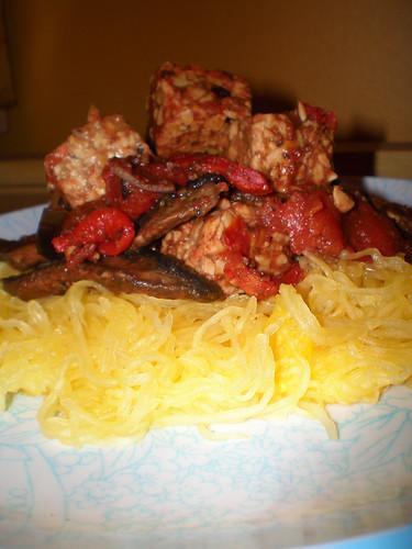 spicy tempeh & spaghetti squash