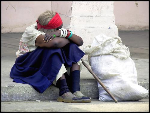 beggar in Havana por elhabanero06.