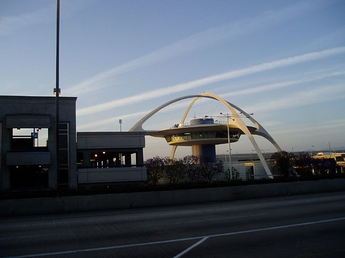 LAX - Landmark - flying saucer