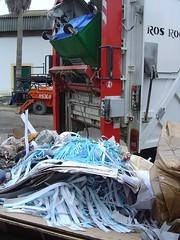 Carton y papel, sin reciclar (sanlucarjmf) Tags: sanlucardebarrameda sanlcardebarrameda josemanuelfranco