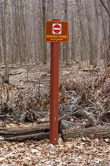 Sentier Ferm (Luc Deveault) Tags: canada nature montagne canon quebec qubec stbruno luc rebelxt parc 70200 70200f4 coupure deveault lucdeveault