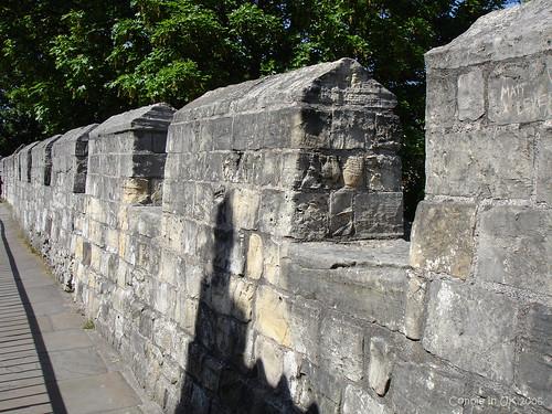 博物館外的城牆