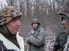 battle fig2007 046 (G.MAI) Tags: winter snow cold men history army war europe fig hitler wwii ss battle camo pa ww2 guns 10th gi weapons reenactors soldat livinghistory frundsberg panzercorp
