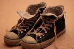 standing shoes converse undone