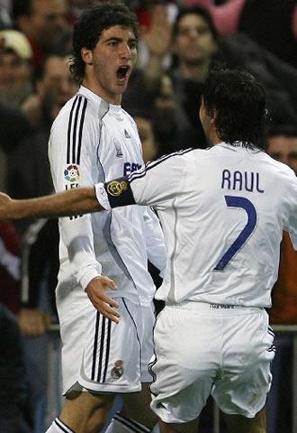 Higuaín y Raúl