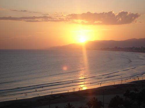. Sunset . (by Denise Mayumi)