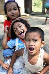 Happy Kids (Rastamarie) Tags: philippines batangas gulugodbaboy fpc rastamarie dianneobviar