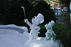 Winter Summerland Mini Golf (CharacterHunters) Tags: wintersummerland waltdisneyworldchristmas