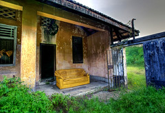 Tyersall House #11 (DanielKHC) Tags: old house building abandoned singapore decay empty sony ruin creepy spooky sofa mansion alpha derelict hdr decadence a100 istana tyersall 3xp photomatix tyersallhouse tonemapped outstandingshots 25faves woodneuk istanawoodneuk danielcheong hdrenfrancais danielkhc