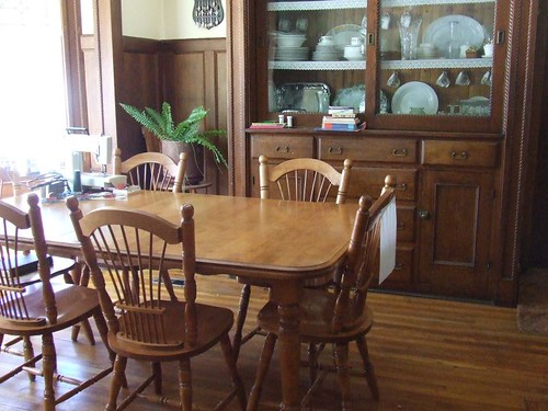 Clean dining room table