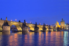 Charles Bridge (Karlv most) (DaveWilliams) Tags: castle night prague vincent praha most czechrepublic cz charlesbridge vltava ceskarepublika praguecastle karlvmost karlv