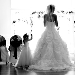 mom and daughter (-Teddy) Tags: wedding light bw canon mom groom bride dress daughter vail 5d preparation 2470mm llens
